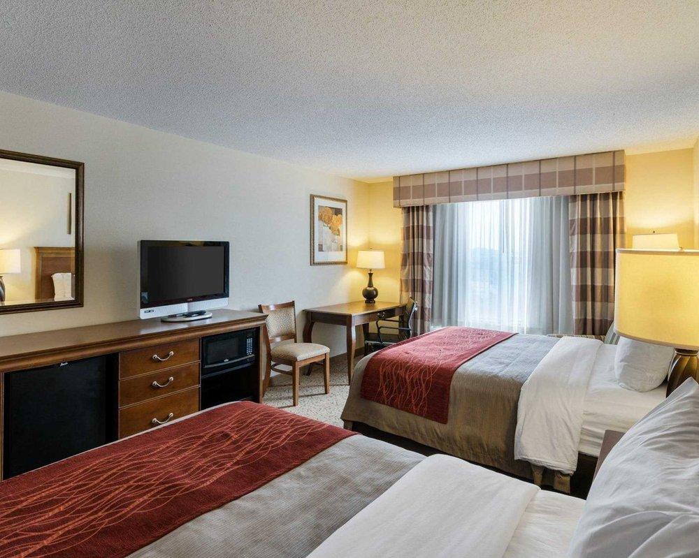 Comfort Inn & Suites: 764 Dover Leipsic Rd, Dover, DE