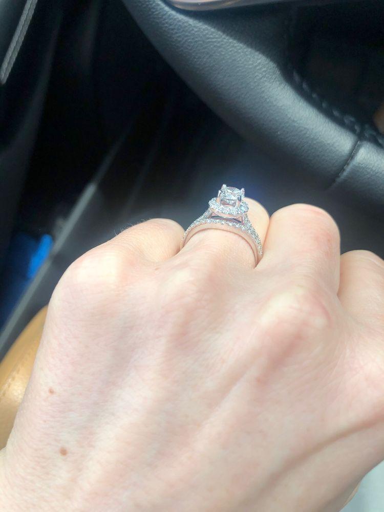 Randazzo Jeweler: 110 S Main St, Almont, MI