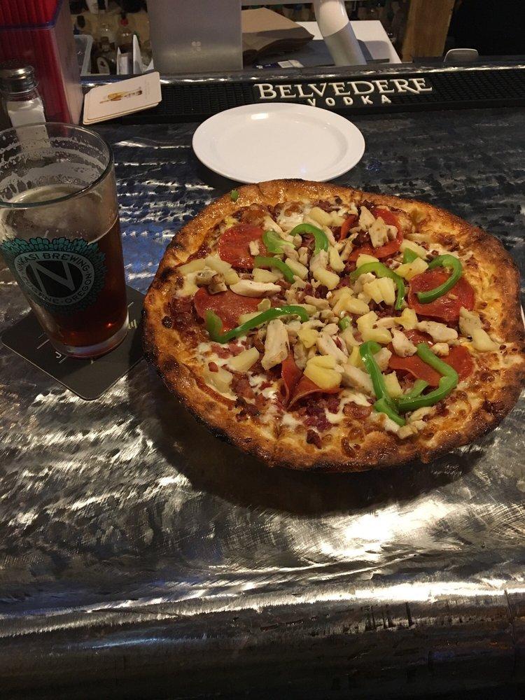 Oregon POUR Authority & Pizza Studio: 235 SE 7th St, Grants Pass, OR