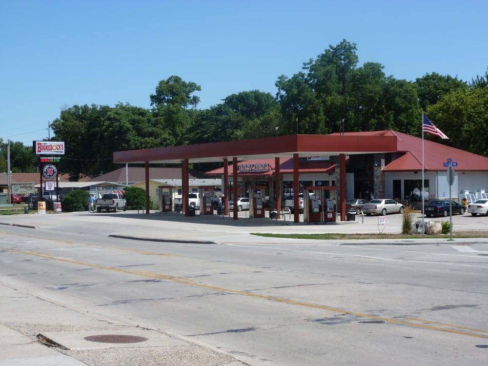 Boondocks: 228 US 71, Arnolds Park, IA