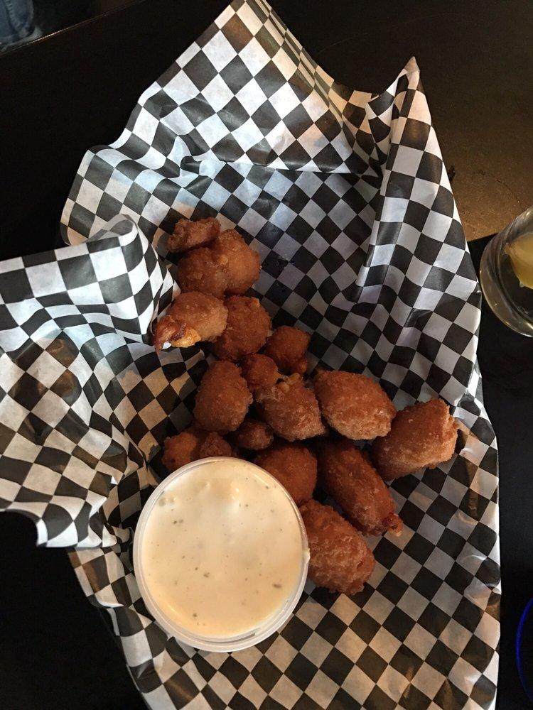 Scooters Bar and Grill: 10537 Shaw Rd, Anamosa, IA