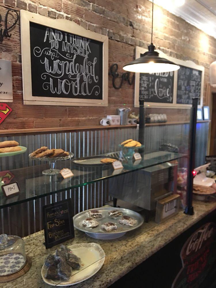 Sissy's - A Sweet Shoppe: 613 Market St, Metropolis, IL