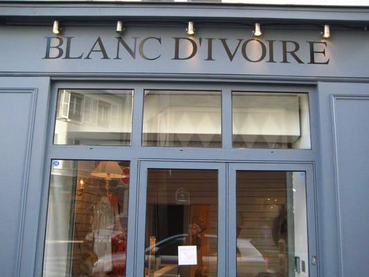 913c97d60403d6 Blanc d Ivoire - Magasin de meuble - 25 Rue Saintonge, Marais Nord ...