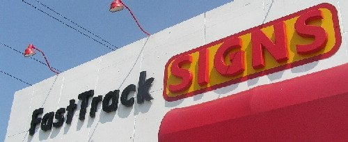 FastTrack Signs: 813 N Main St, Bellefontaine, OH
