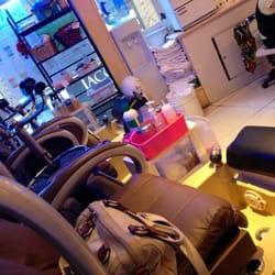 Candy nail salon 13 fotos 83 beitr ge nagelstudio for 111 maiden lane salon