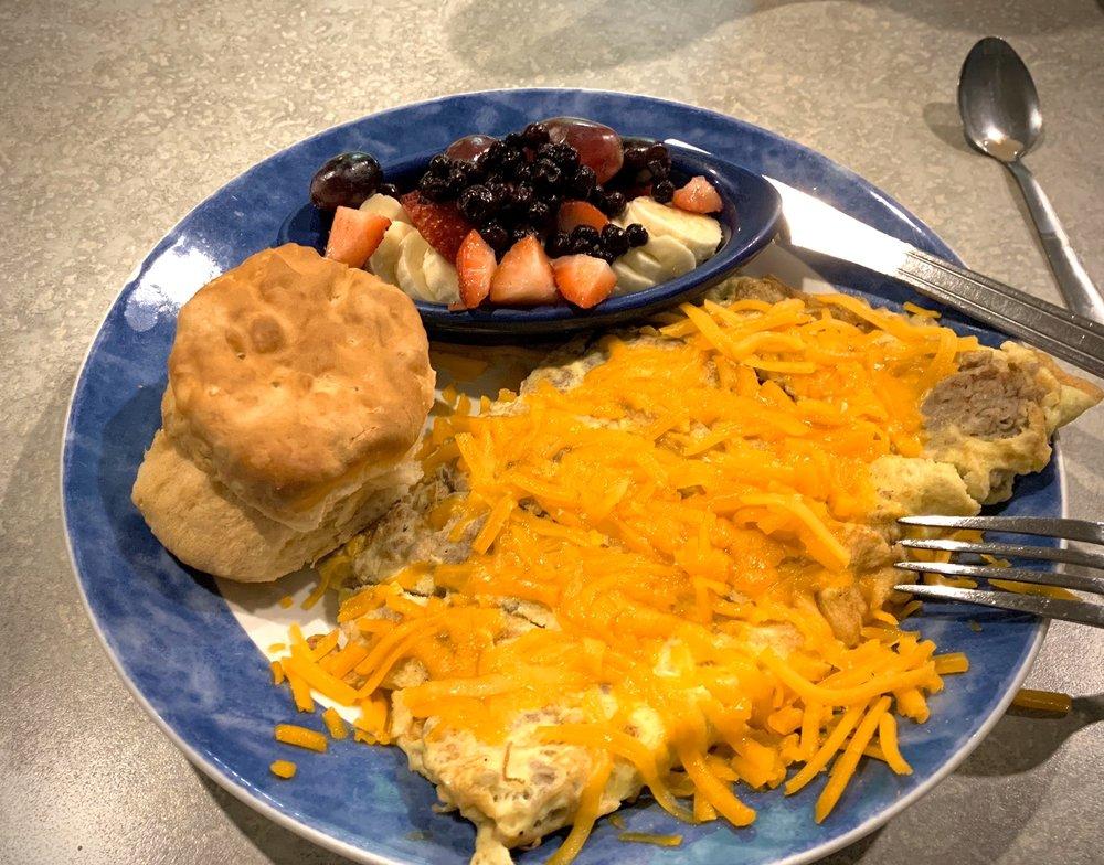 Everett Street Diner: 126 Everett St, Bryson City, NC