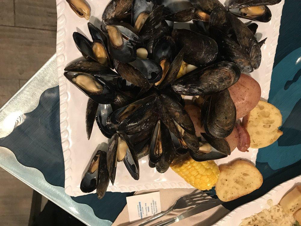 Beachside Seafood: 1220 N Hwy A1A, Indialantic, FL