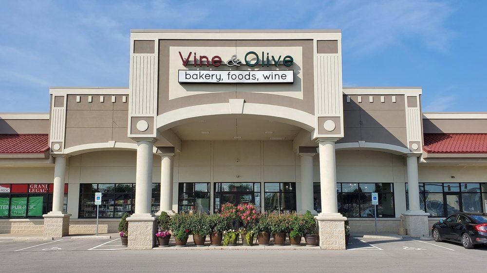 Vine & Olive: 4917 Milan Rd, Sandusky, OH
