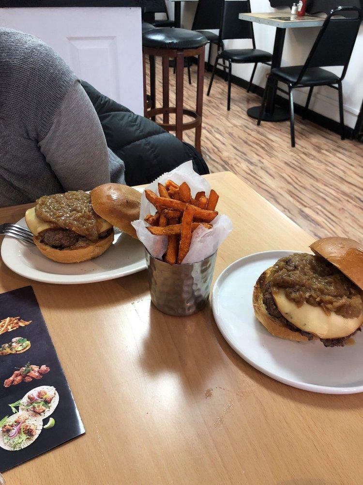 Bronx Burger Bistro: 1426 Zerega Ave, Bronx, NY