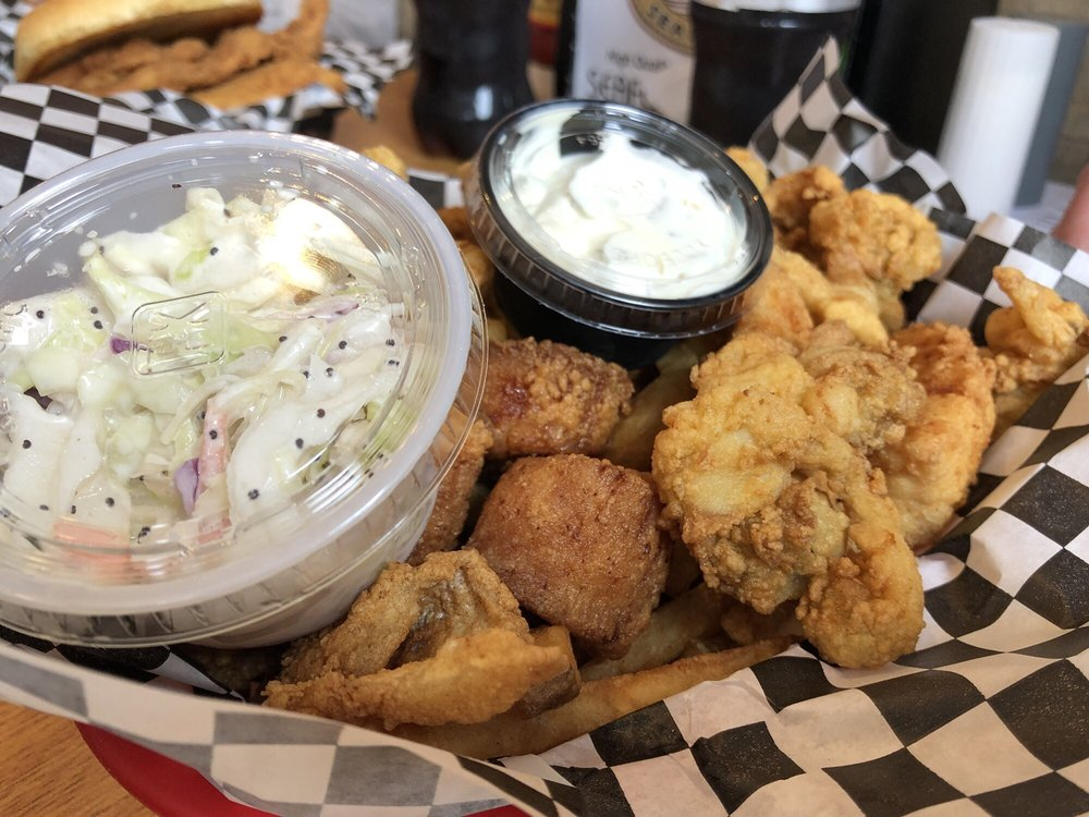Food from Moodys Seafood