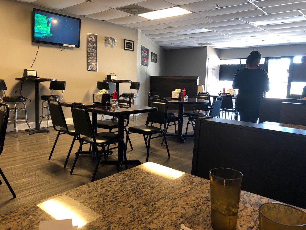 Northern Exposure Coney Island & Cuisine: 1513 Lafayette Parkway, LaGrange, GA