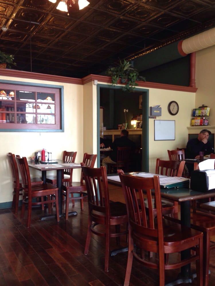 Main Street Restaurant And Pub: 85 Main St, North Canaan, CT