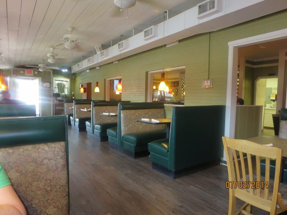Hillsville Cafe: 8520 Hillsville Rd, Trinity, NC