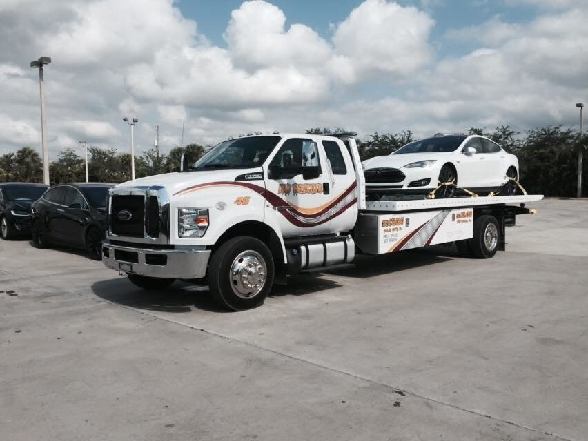 Towing business in Belle Glade, FL