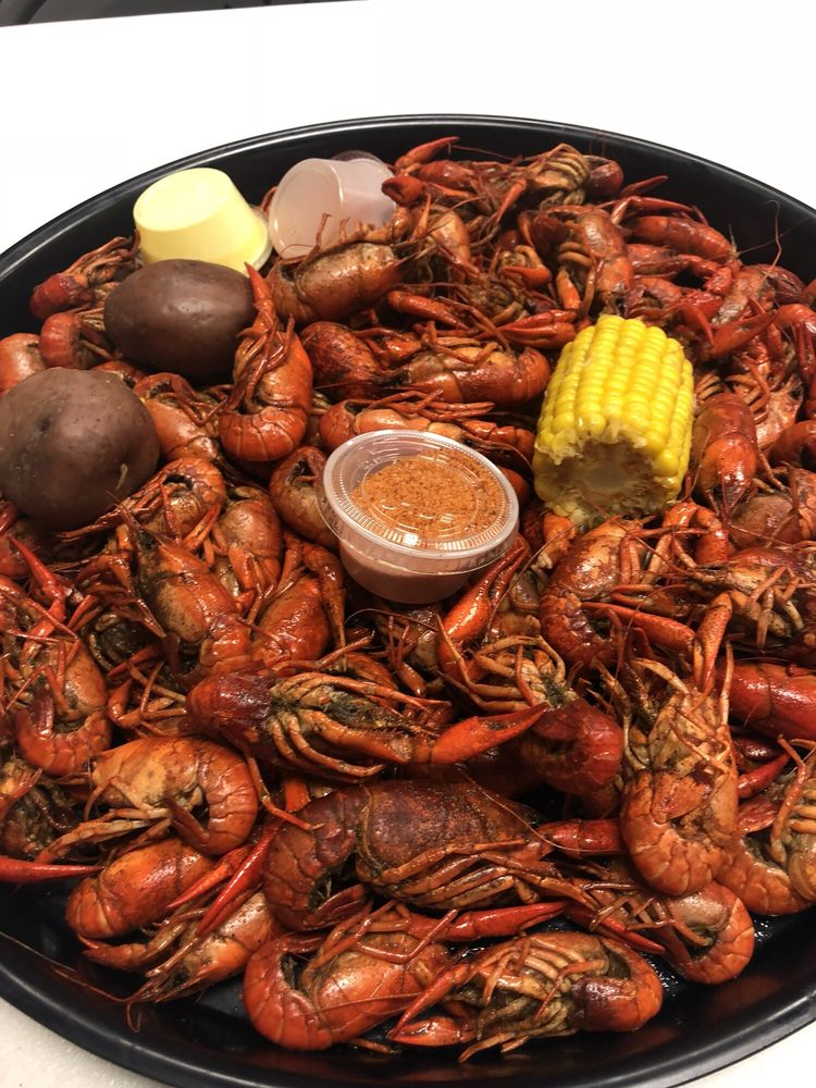 WaWa's Seafood Shack: 1408 E Tyler St, Athens, TX
