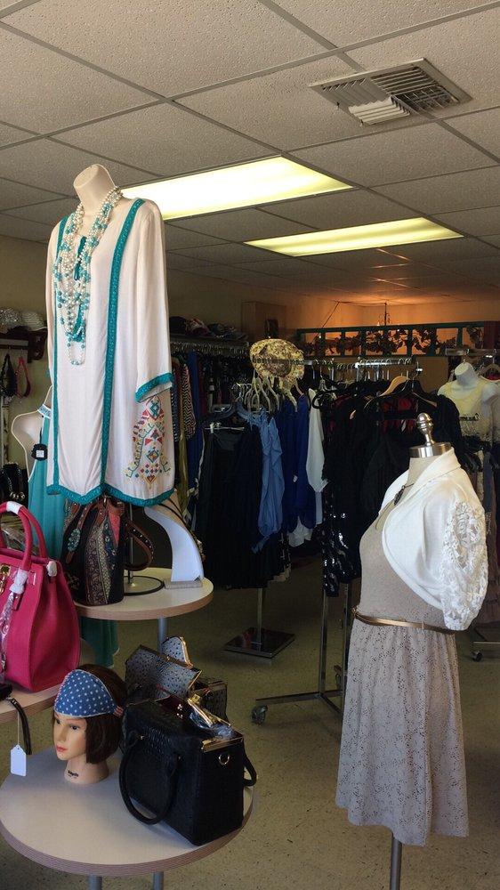Glam Up Boutique: 11309 Leopard St, Corpus Christi, TX