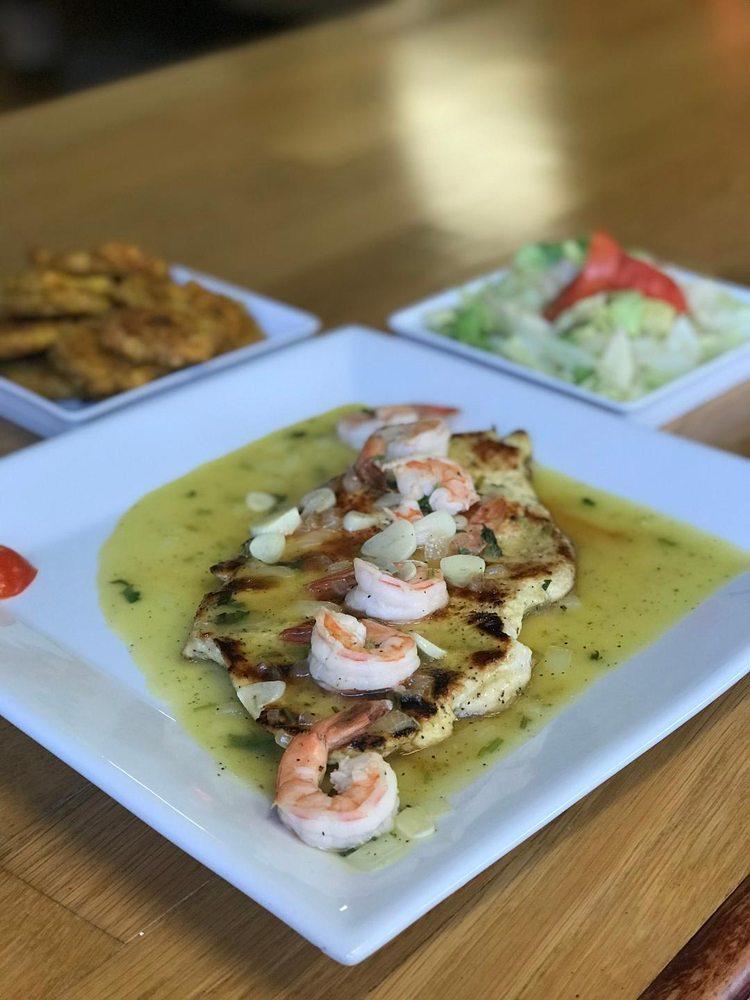 La Cocina de Arismendy: 592 Essex St, Lawrence, MA