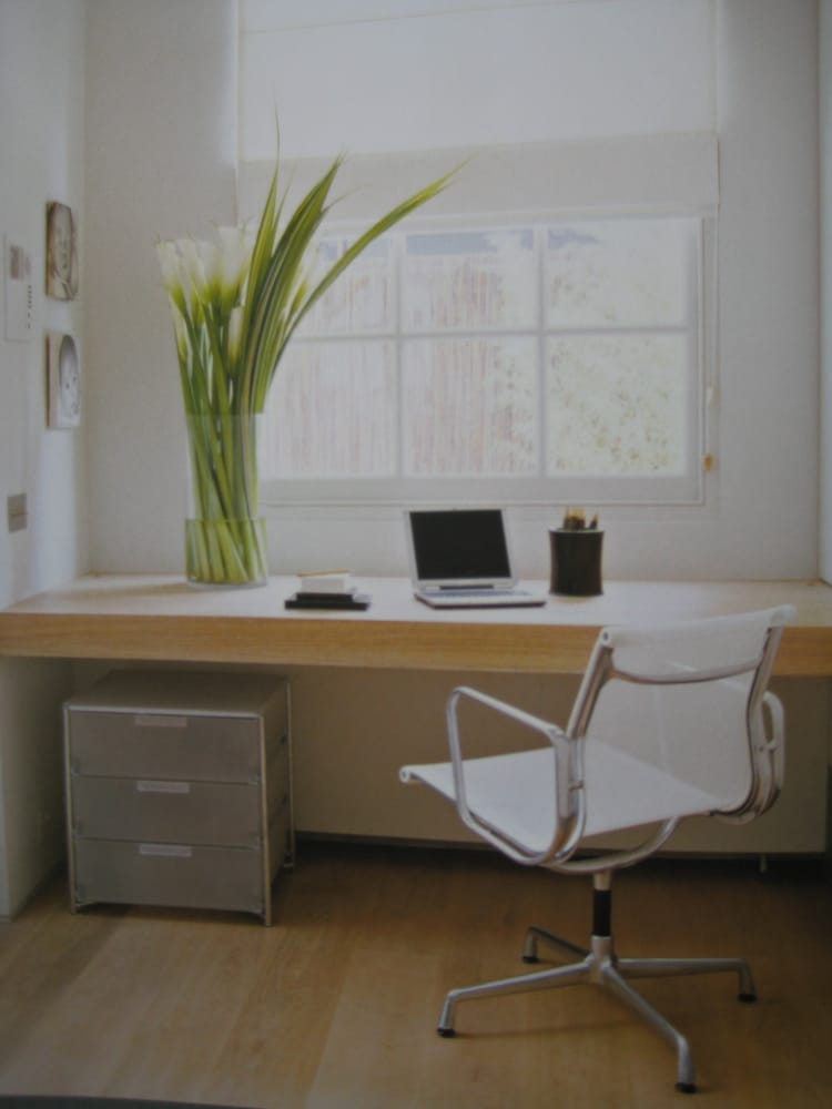 Arbeitsplatz büro schreibtisch  Arbeitsplatz Heimbüro Schreibtisch Büro Arbeiten Feng Shui - Yelp