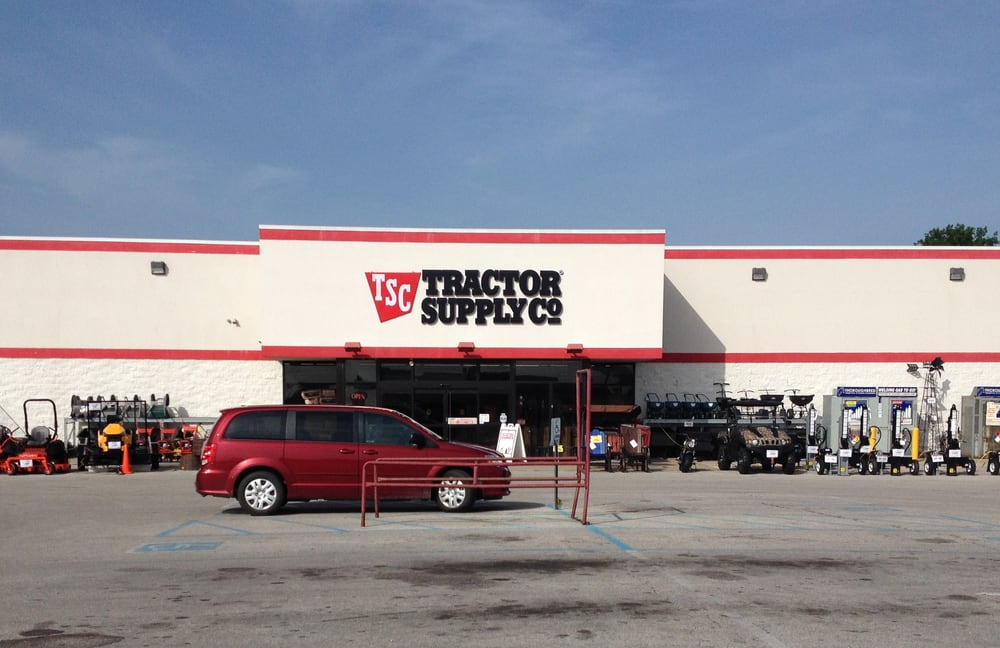 Tractor Supply: 501 Market Square Dr, Maysville, KY
