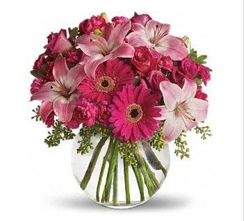 Heartfield Ritter Florist: 109 W 2nd St, Hearne, TX