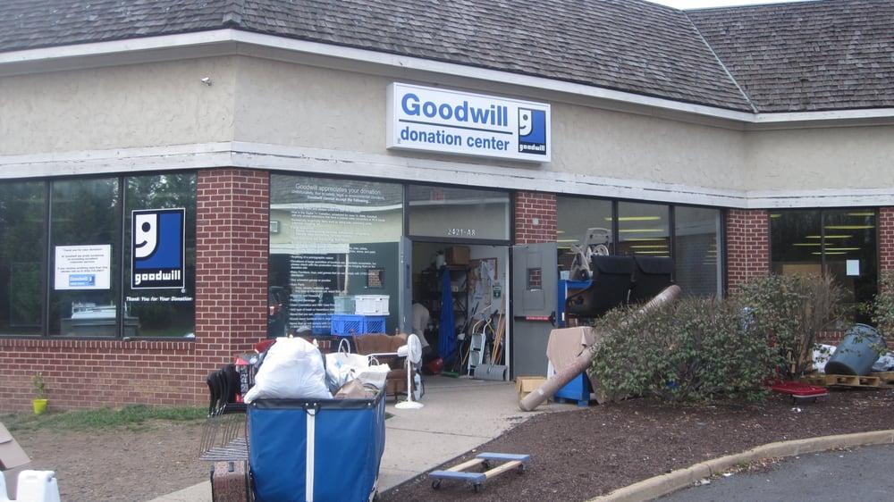 goodwill community service non profit herndon va yelp. Black Bedroom Furniture Sets. Home Design Ideas