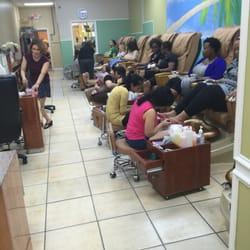 Queen s nails 24 foto manicure pedicure 3218 for 24 hour nail salon atlanta