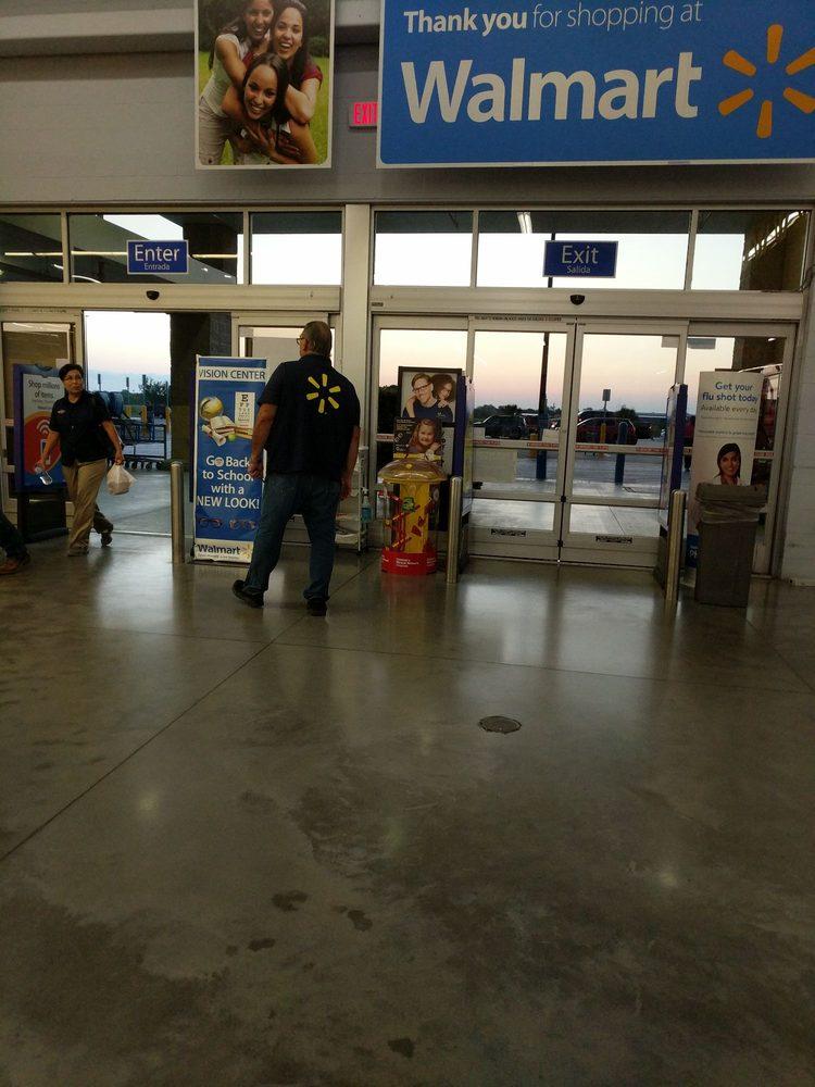 Walmart: 1004 W Ocean Blvd, Los Fresnos, TX