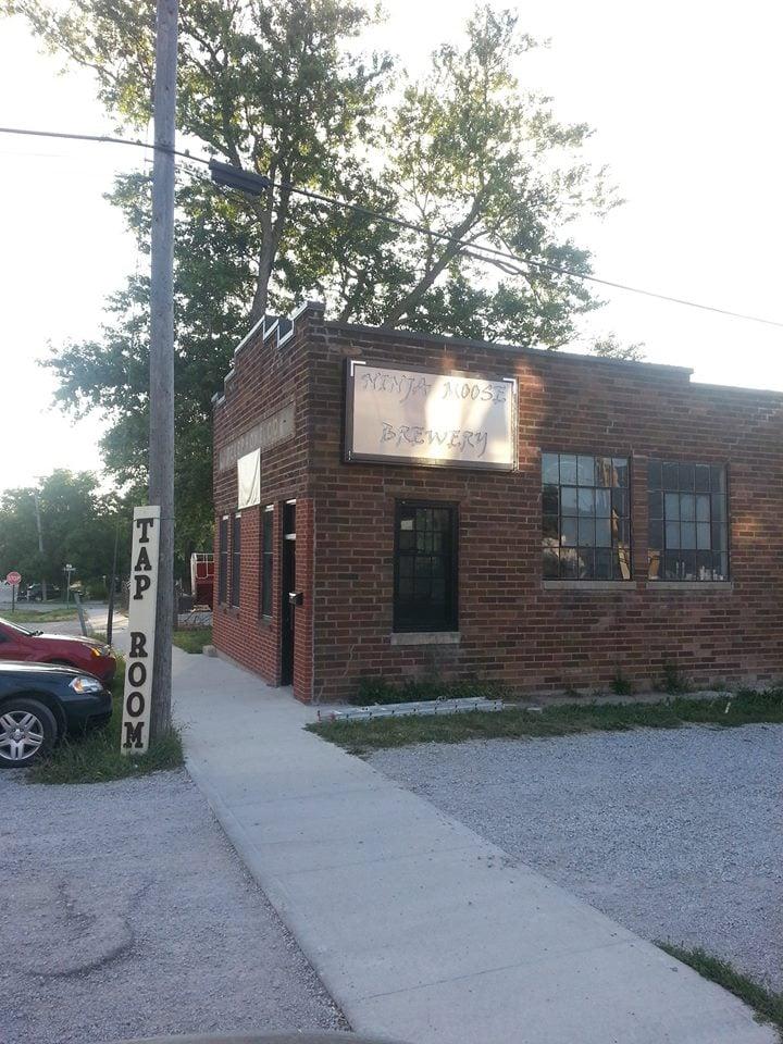 Levi Garrison & Sons Brewing Company: 105 W Bird St, Hamilton, MO