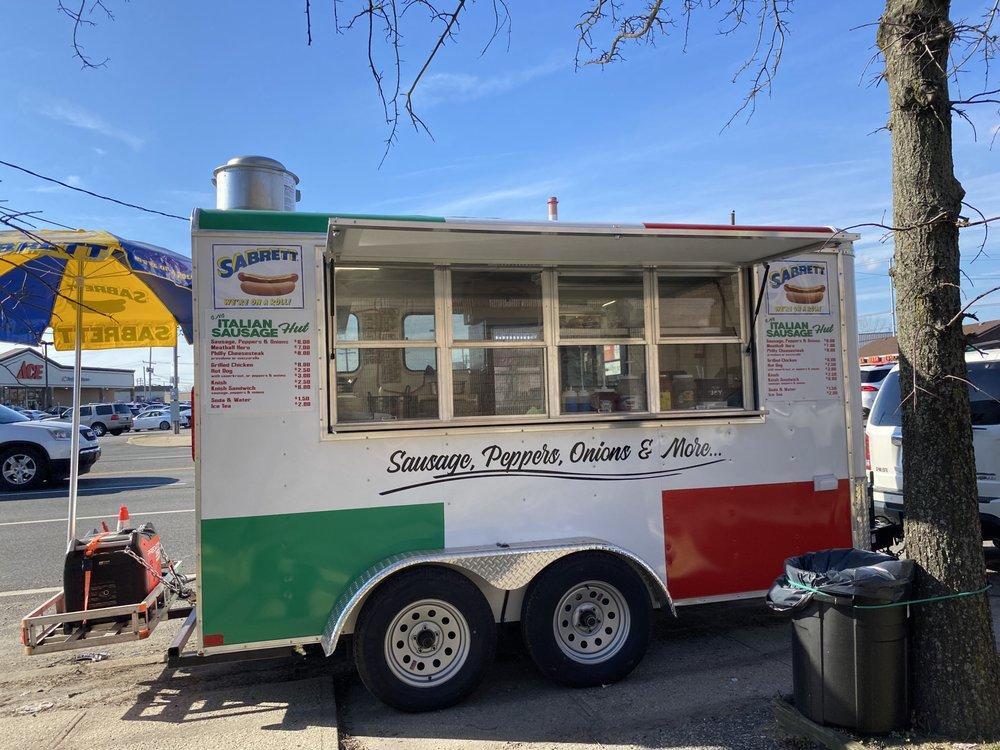 GNG Italian Sausage Hut: 3915 Austin Blvd, Island Park, NY