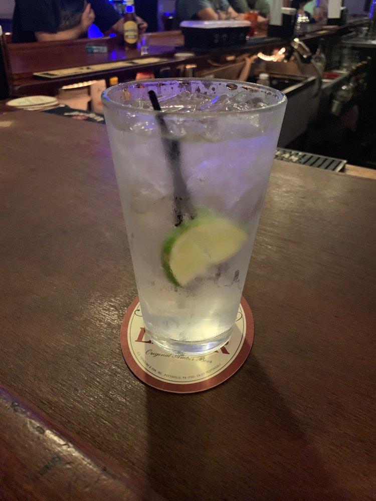 Scottish Dave's Pub: 24 E Main St, Clinton, CT