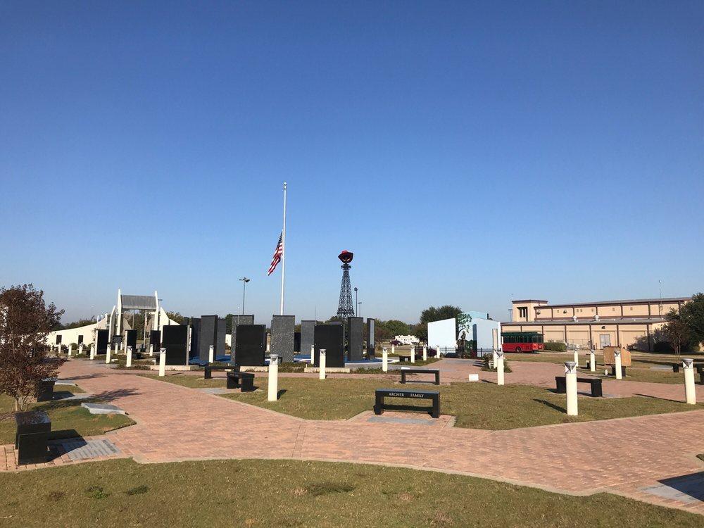 Red River Veterans Memorial: 1025 S Collegiate Dr, Paris, TX