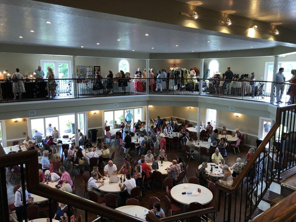 DelMonaco Winery: 600 Lance Dr, Baxter, TN