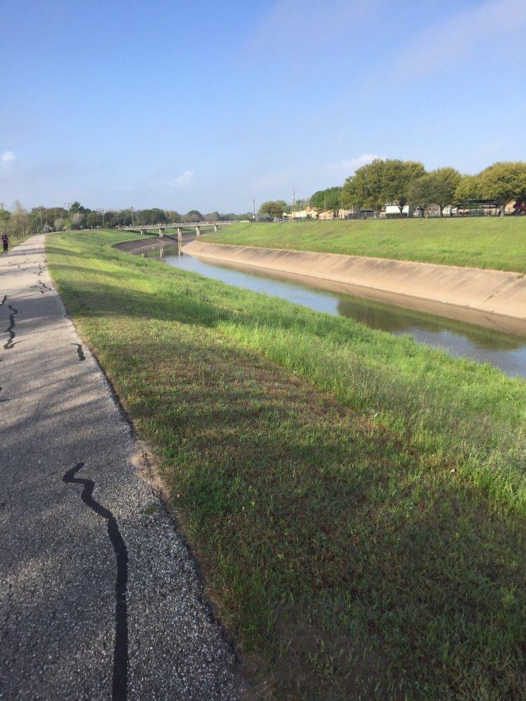 Brays Bayou Hike and Bike Trail