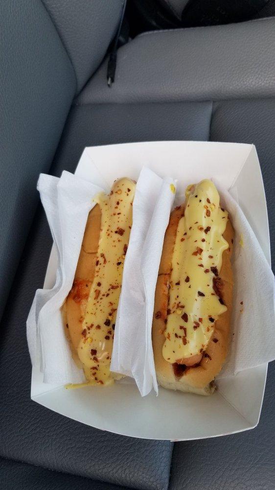 Doug's Hot Dog Van: Route 101, Marlborough, NH