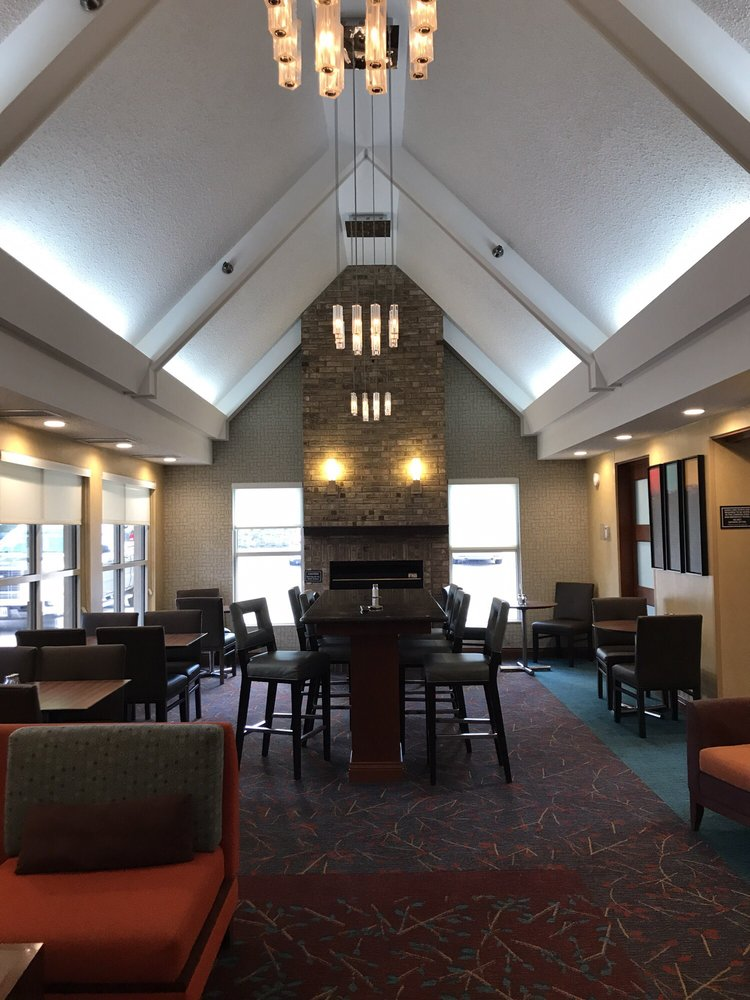Residence Inn by Marriott Davenport: 120 East 55th Street, Davenport, IA