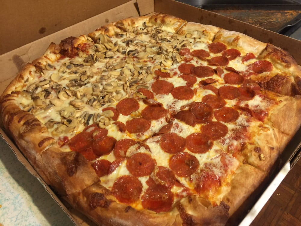 Doughboy's Pizza: 508 Island Ave, McKees Rocks, PA