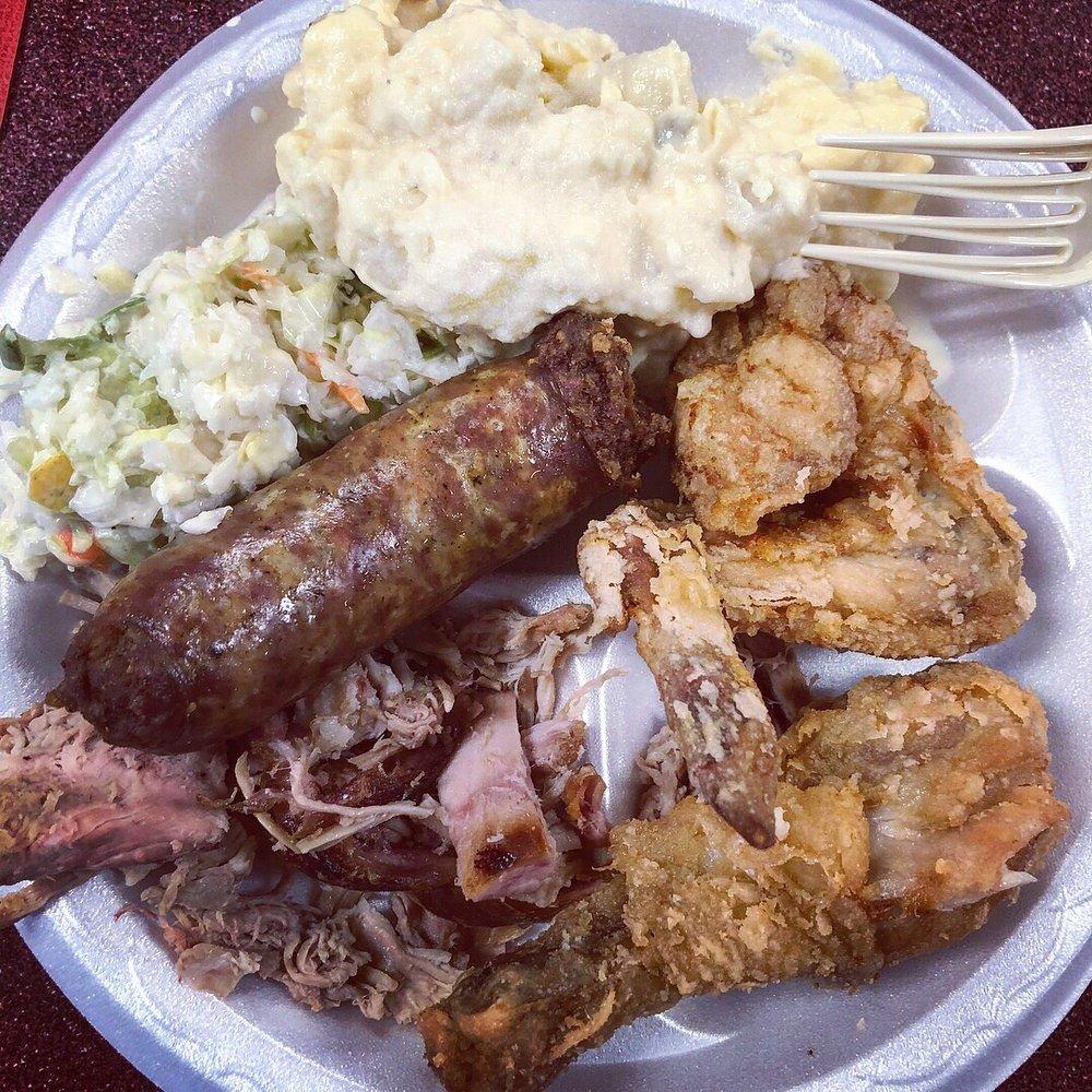 Dukes Barbecue: 949 Robertson Blvd, Walterboro, SC