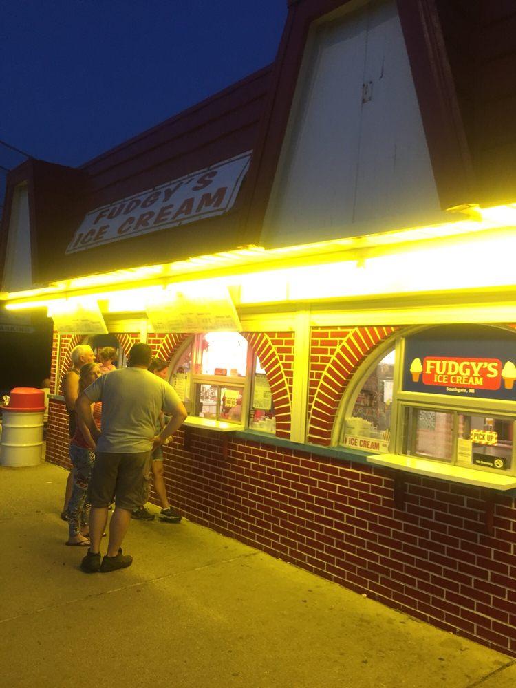 Fudgy's Ice Cream Palace: 14725 Dix Toledo Rd, Southgate, MI