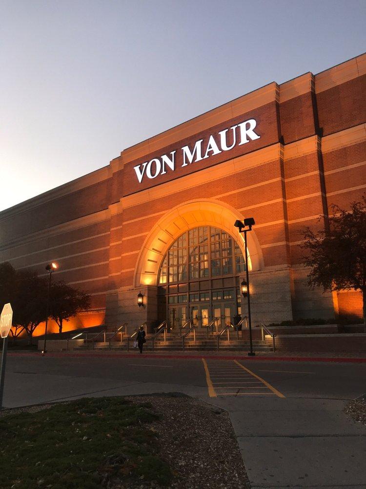 Von Maur - Westroads: 10010 California St, Omaha, NE