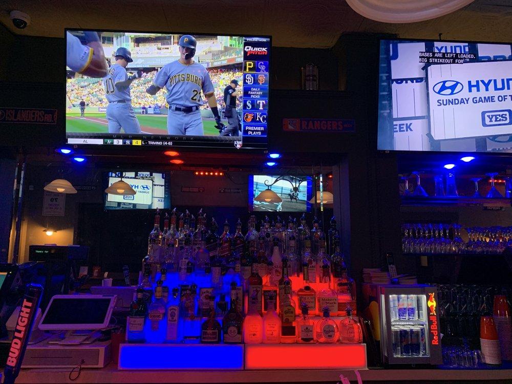 Vintage Sports Bar & Lounge: 3037 Merrick Rd, Wantagh, NY