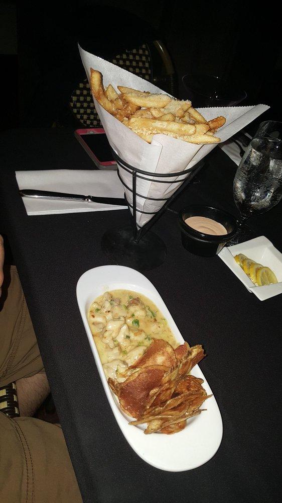 Tomas Tapas Bar & Restaurant: 900 Rt 376, Wappingers Falls, NY