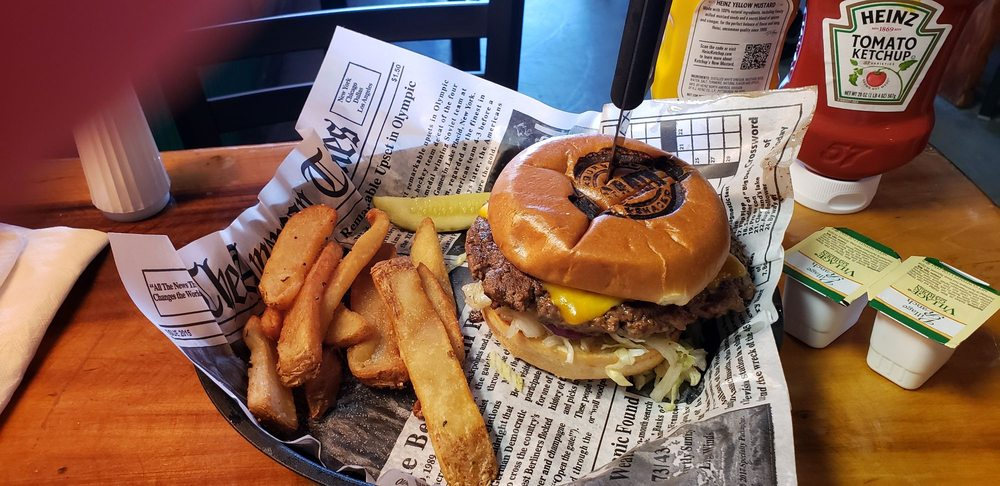 McGrath's Burger Shack: 800 S Battlefield Blvd, Chesapeake, VA