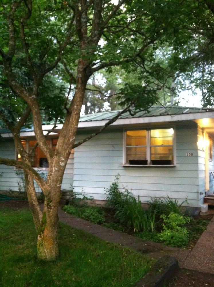 Coram Cottage: 150 Coram School Ln, Coram, MT