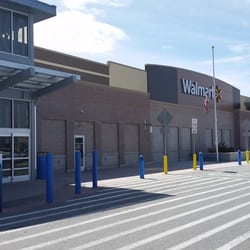 Walmart supercenter 30 reviews grocery 250 vista for Fish store reno