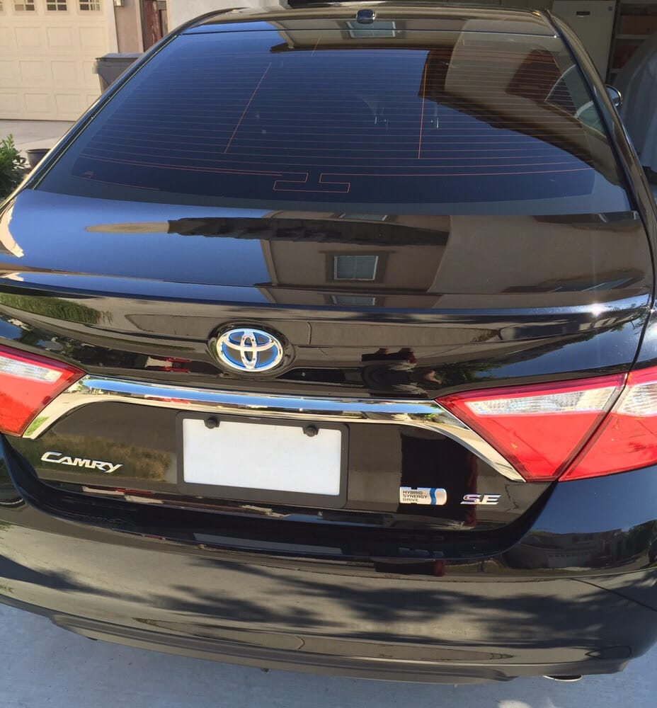 2016 Toyota Camry Pictures: 2016 Toyota Camry 5% Back Glass