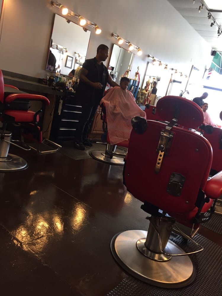 ultimate barber lounge - 10 photos - barbers