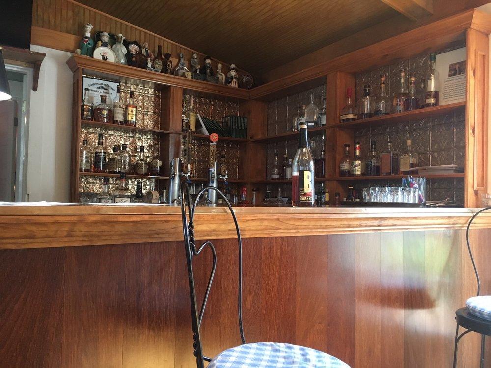 Kentucky Bourbon House: 107 E Stephen Foster Ave, Bardstown, KY
