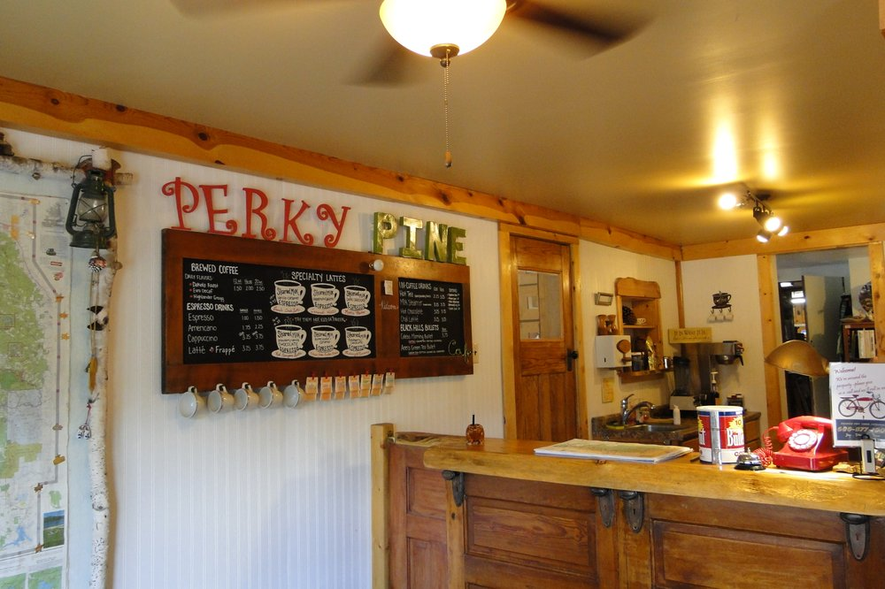 Pine Rest Cabins: 24063 Hwy 385, Hill City, SD