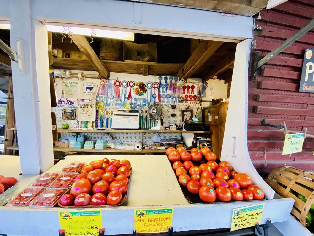 Juniperdale Farms: 1015 Browntown Rd, Nazareth, PA