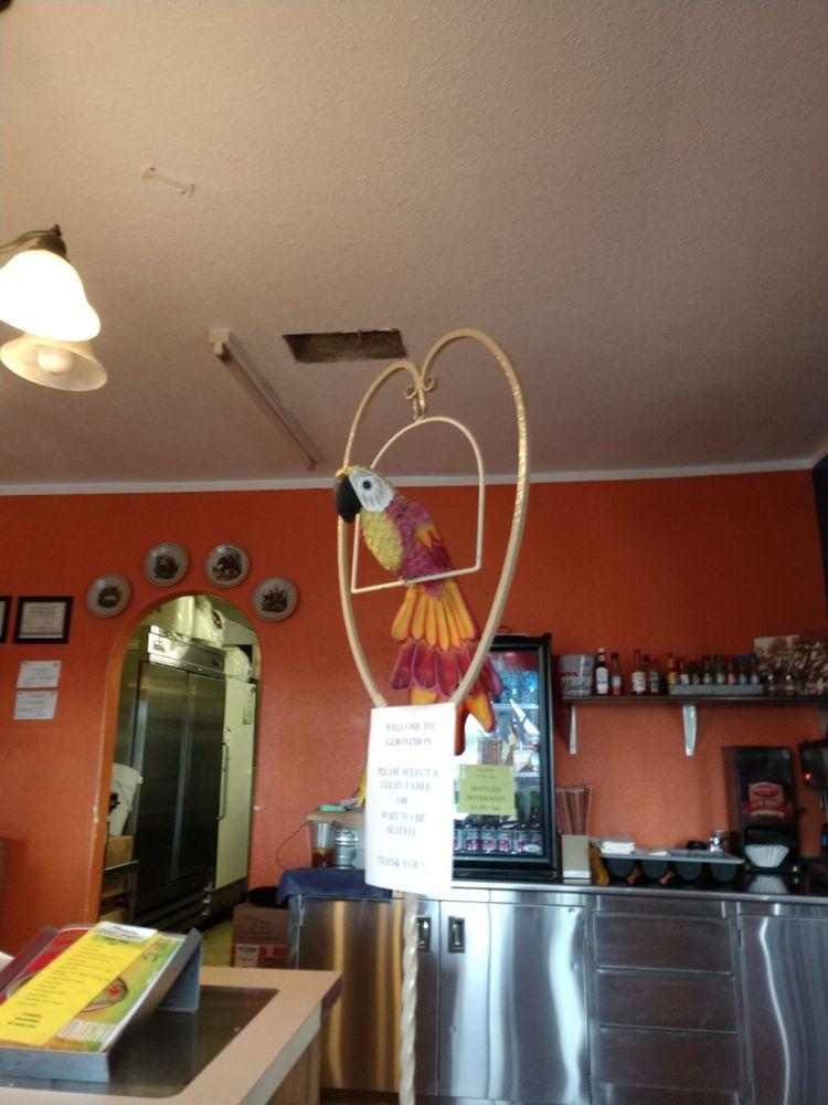 Geronimo's Restaurant: 28627 Los Angeles Avenue, Wellton, AZ